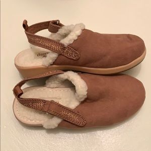 Size 11 Girl's Sherpa Clogs